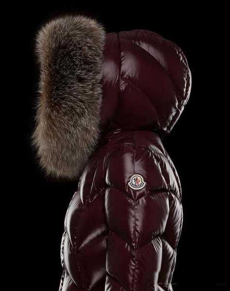 2018 Hot sale Brand M Women Winter down Coats Thick Long Parkas 95% Big Real Raccoon Fur Collar Hooded Down Jacket Black / Red Color