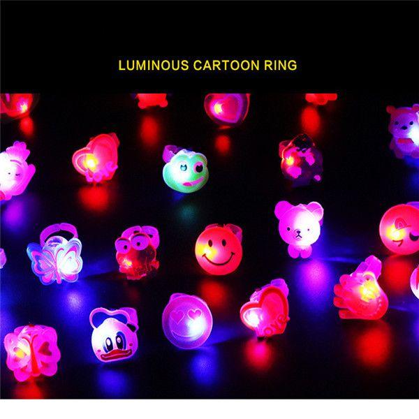 100 pcs Couleurs Clignotant LED Lumière Up Jelly Finger Rings Faveurs De Soirée Glow Rings Enfants'Day Haute Qualité