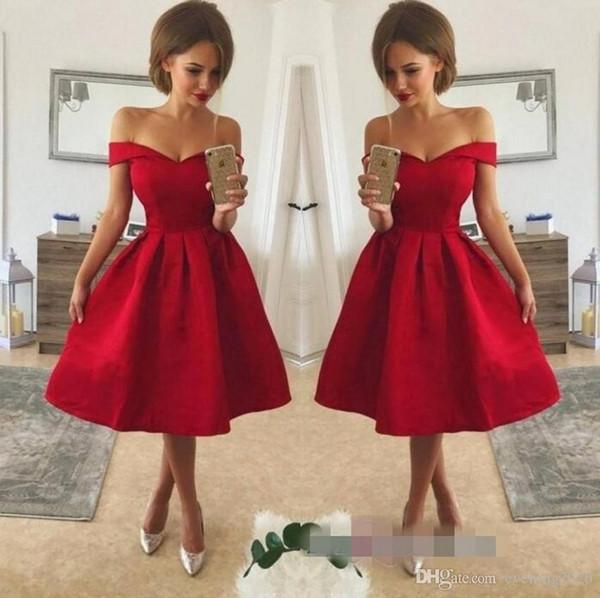 Vestidos de cóctel cortos de color rojo vestidos de regreso a casa sexy V cuello del hombro Longitud de la rodilla con encaje Apliques de un vestido de fiesta de línea