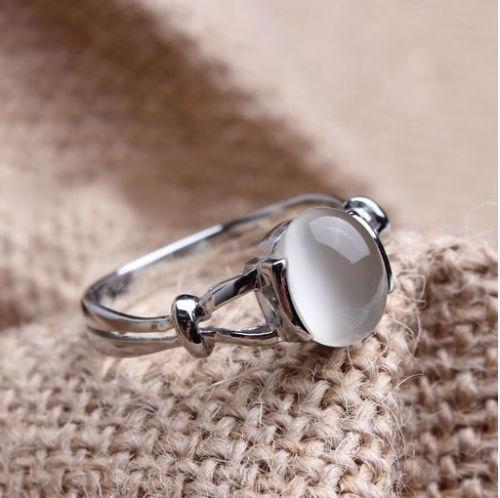 Gioielli di moda di lusso Raffreddato in oro bianco placcato in pietra di luna Bella's Anello da sposa da donna regalo