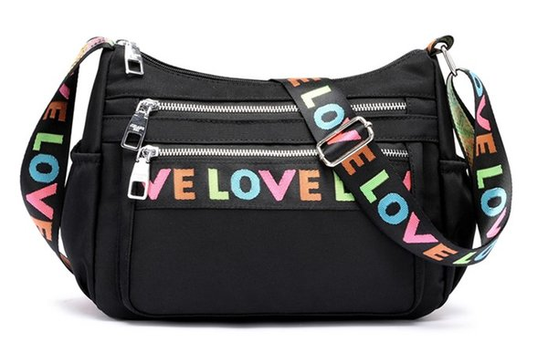 The new women's bag in the United States and Europe will be wrapped in a nylon Oxford cloth shoulder bag.