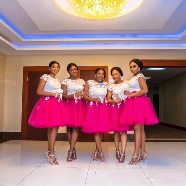 Sexy Scoop 2019 Zwei Farben Brautjungfernkleider Weiß Spitze Appliques Fuchsia Tulle Homecoming Kleider Kurze Hochzeitsgast Kleider für Party