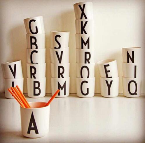 Spedizione gratuita Home decor 1 pz 26 lettere inglesi New bone bone china inglese lettera caffè tè tazze colazione tazze tazza