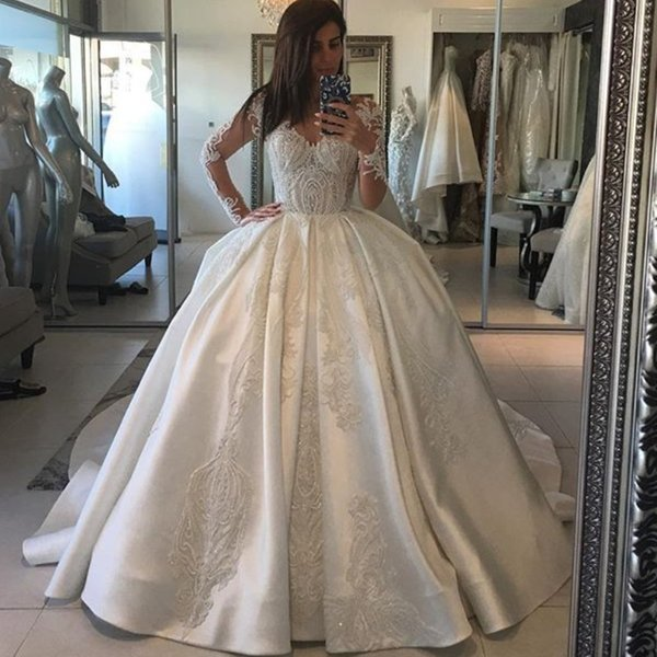 Sexy Bodice Ball Gown Wedding Dresses V-Neck Long Sleeves Beads Lace Appliques Bridal Dress Glamorous Dubai Satin Sweep Train Wedding Gowns
