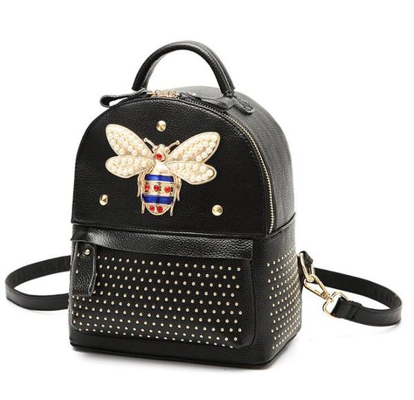 2018 Kadınlar Küçük Arı çanta Moda perçin tasarımcı lüks çanta çantalar Rahat Omuz Messenger Çanta sırt çantası 104