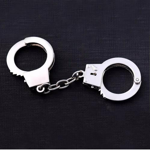 Fashion Metal Keychain Hot Sale Key Holder Simulation Handcuffs model Car Key Chain Key Ring For Best Gift jewelry 17277