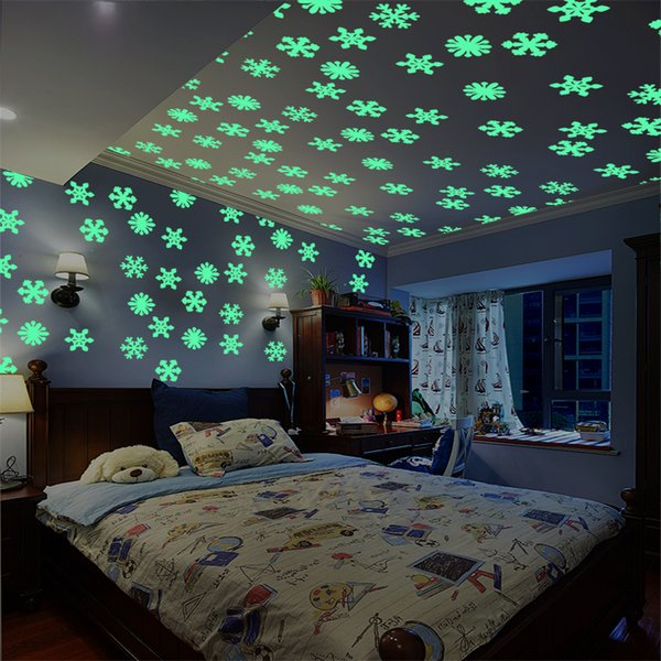 50 Luminous Home snowflake Wall Sticker glow in the for children Baby Rooms Fluorescent Stickers Decorations