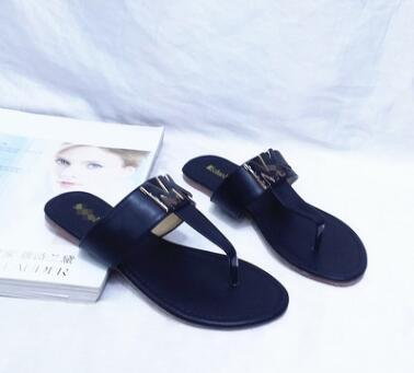 European style high quality women's flip-flops sandals size 35-42 153-1A