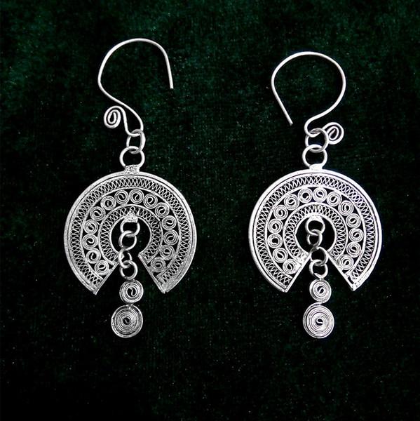 National wind flower circle Miao silver earrings retro art earrings handmade crafts Miao silver earrings