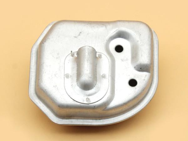 El silenciador / Tubo de escape se adapta a la pieza de repuesto del recortador de la cuchilla del motor Honda GX35