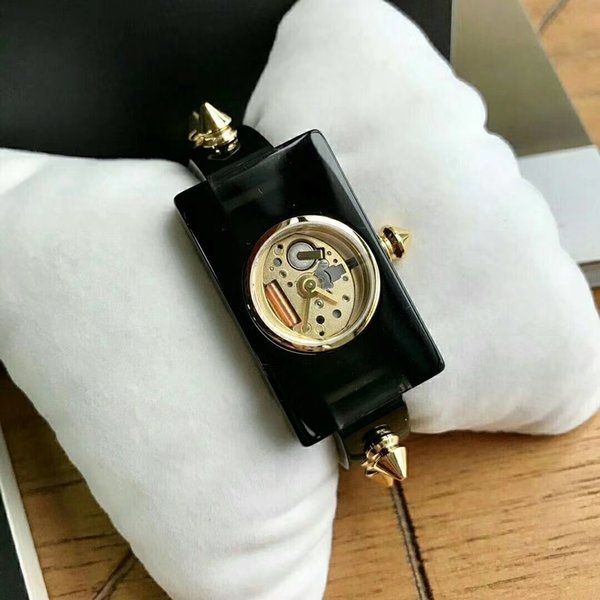 2018 of the most fashionable women bokhi force plate gold watchband rivet exquisite bracelet inlaid like a built-in Rhonda fiber dial dial 2