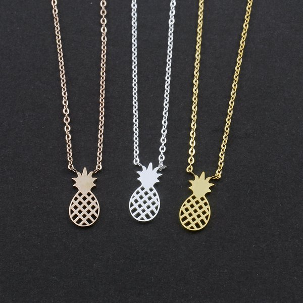 En gros 10pcs / lot Dainty Petit Ananas Pendentif Colliers Pour Les Femmes Cadeaux De Fête En Acier Inoxydable Chaîne De Fruits Ras Du Cou Bijoux