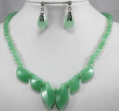 Free Shipping2 choices wholesale Exquisite light green/Green Natural Stone 18kgp Necklace Earring Set