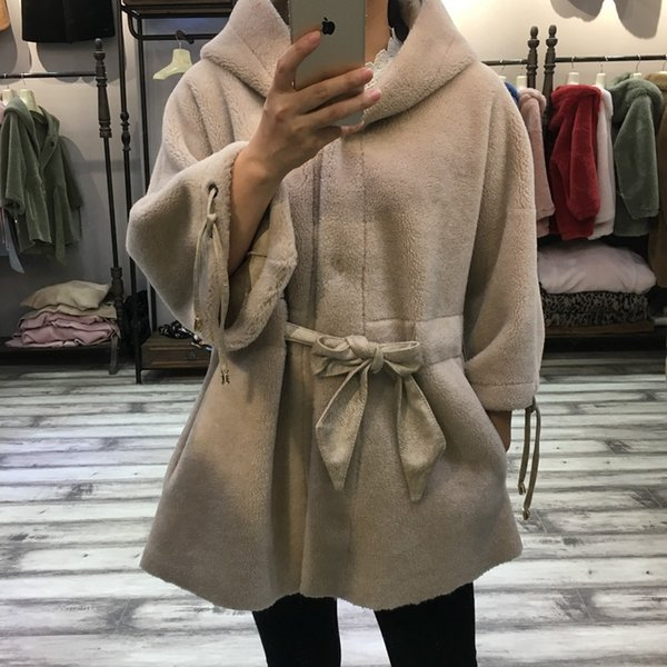 women real fur coat sheep shearing 2018 Winter Lady Warm Natural Sheep Lamb Wool Fur and Leather jacket Hoody and belt Female C18110301