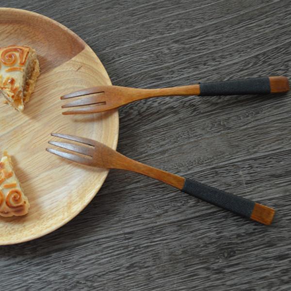 All'ingrosso-12 pezzi / lotto Stile giapponese Nuovo Design creativo Forchetta da frutta in legno Manico lungo Insalata Forchetta Noodle da tavola El tenedor de fruta