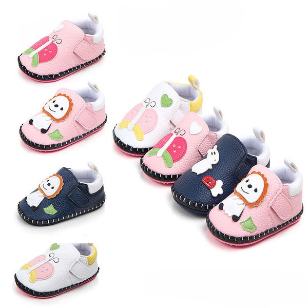 Siège Voiture Pied Manchon Cozy Toes broderie anglaise-Blanc Rose ou Bleu