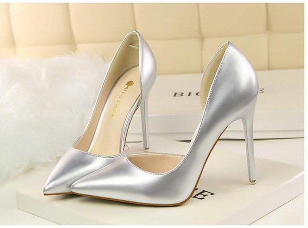 Wholesale 2018 Ultra low price Women's high heels Silver patent leather high heels Super high heel Pointed leather shoes Asakuchi 12 colors