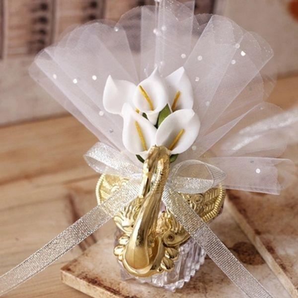 2019 Yeni Düğün Favor Kutuları Güzel Zambak Çiçek Ile Akrilik Kuğu Düğün Hediyesi Şeker Yenilik Bebek Duş Şeker Kutuları Şekeri