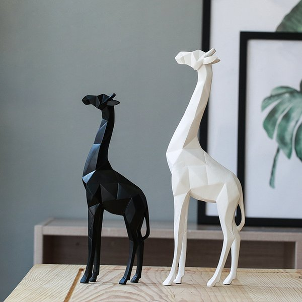 2019 Black And White Deer Figurines Statue Furnishing Articles Creative Origami Giraffe Resin Crafts Sculpture Home Decor From Sunnysleepvip6 98 5