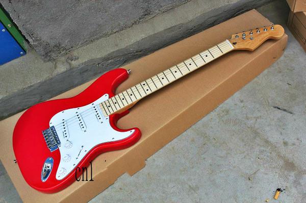 Top quality prezzo poco costoso GYST-1034 colore rosso piastra bianca firma tastiera in acero bella ST chitarra elettrica, essere personalizzati, spedizione gratuita