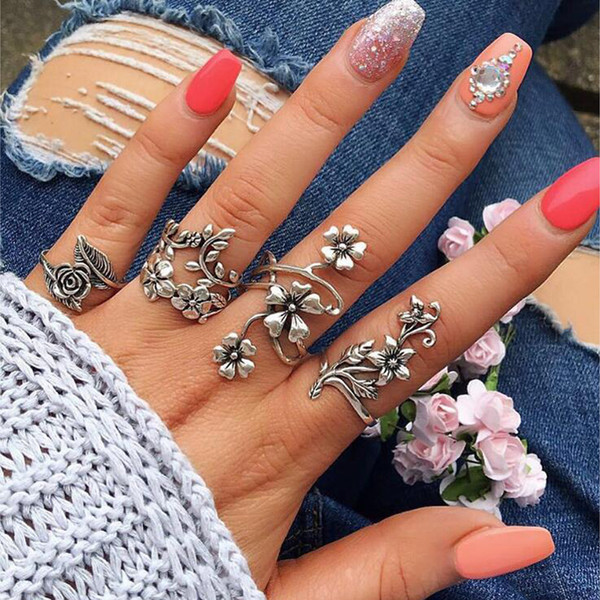 Tocona 4 шт./компл. Античное серебро старинные Богемия кольца комплект роза цветок кольца для женщин очаровательная Богемия цветочные кулака 6047