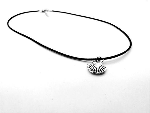 12 pc-Antique Silver Pequeno Shell pingente de Colar Bonito Oceano Concha Shell Colar Náutico Scallop Shell Caracol Animal Beach Leather Necklace