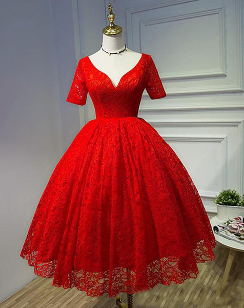 Short Red Lace Prom Ball Gown Cheap Full Lace Plus Size Knee Length Deep V-Neck Lace Up Back Party Evening Gowns with Short Sleeves