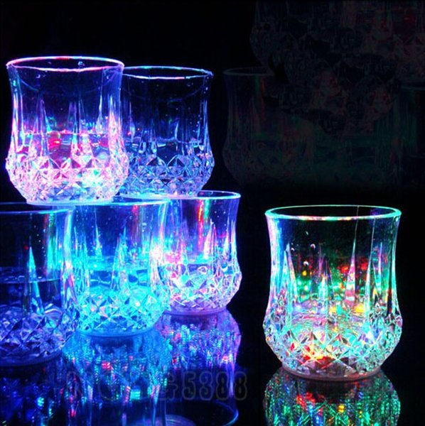 Creative party wine glass light cup LED colorful glow pineapple cup water induction color light cups led colorful flash cups