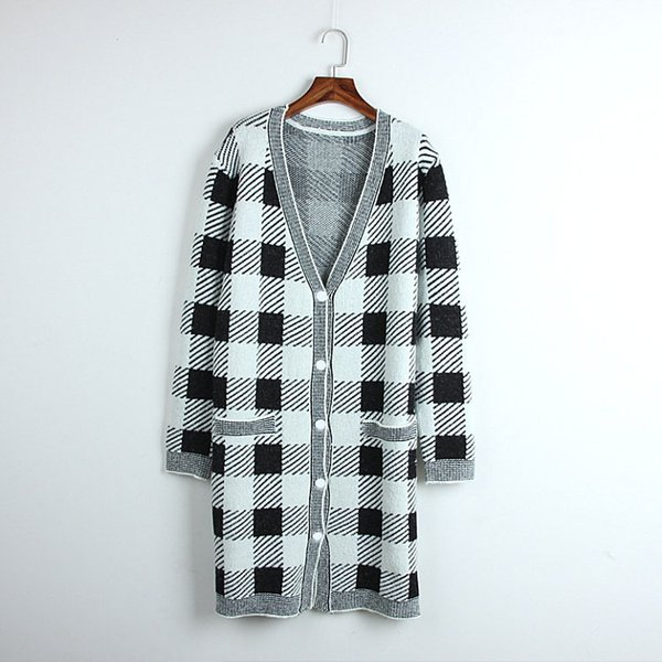 88 New Arrival 2018 Autumn Sweater V Neck Plaid Long Sleeve Cardigan Brand Same Style Luxury DL