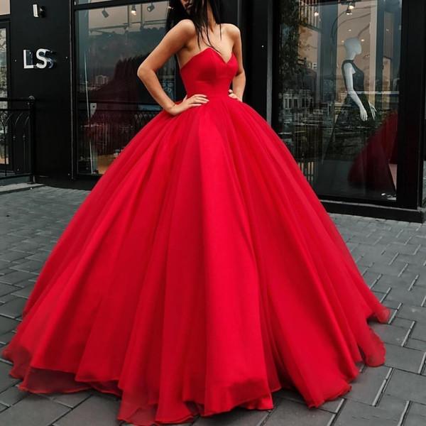 Abiti da sera principessa rossa Abito da ballo lungo senza spalline in tulle 2019 Abiti da sera convenzionali Abito da festa grandioso con strascico rosso celebrità per donne