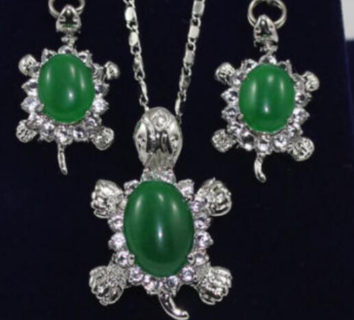 Halskette Charming Jade Tortoise Ohrringe Anhänger Schmuck-Set