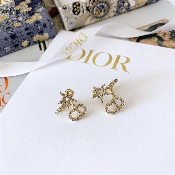 Stud earrings4