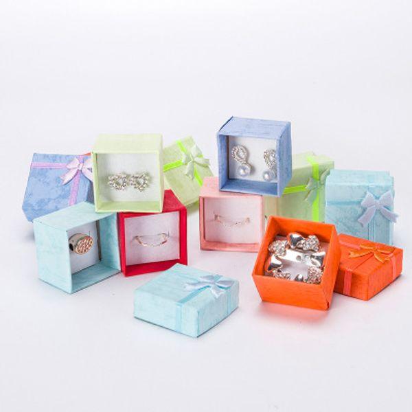 4 * 4 * 3.2 cm cardboar Takı Hediye kutuları Yüzükler Saplama Küpe Kolye Ambalaj Takı ambalaj kutusu içinde toplu 24 adet / grup