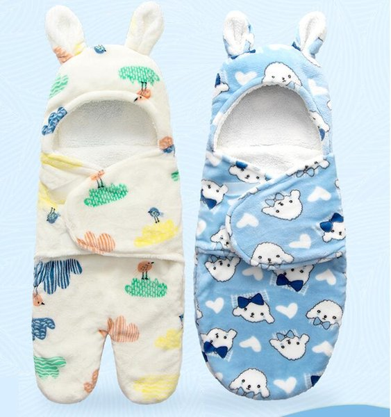 The baby is held by four seasons baby thickened sleeping bag swaddling blanket to prevent kicking by the baby blanket maternal and child sup