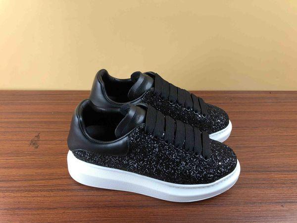Дизайнерские туфли для женщин мужские модные кожаные кроссовки светоотражающие черный белый бархат с плоской подошвой на плоской подошве