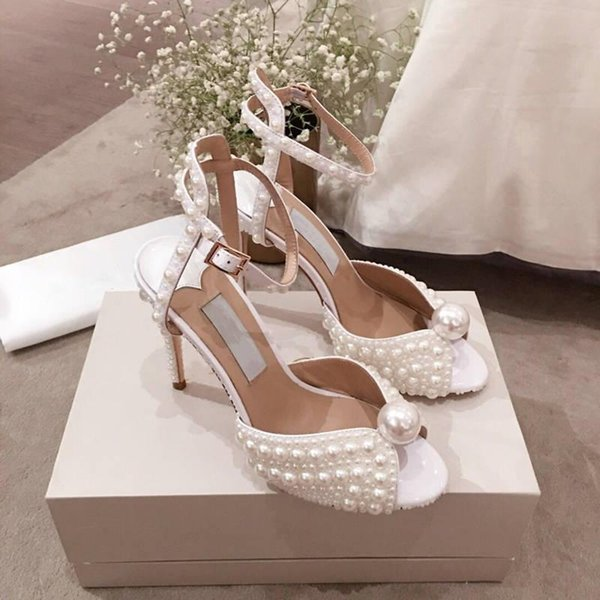 19 Spring/summer collection Pure white pearl sandals, Stylish stiletto leather sandals for ladies , full packaging,hot sale in
