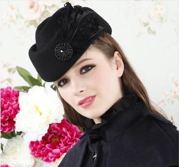 Toptan-Yeni Sonbahar Kış Kadın Bere İngiliz Elegance Yün Şapka Tüy Kadın Kapaklar Vintage Audrey Hepburn Style Homburg Şapka CP009