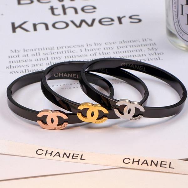 Femmes Noir Bracelet En Acier Personnalité Lettre Creux Couple Bracelets Titane Acier Haute Rue Bracelet Bijoux De Mode