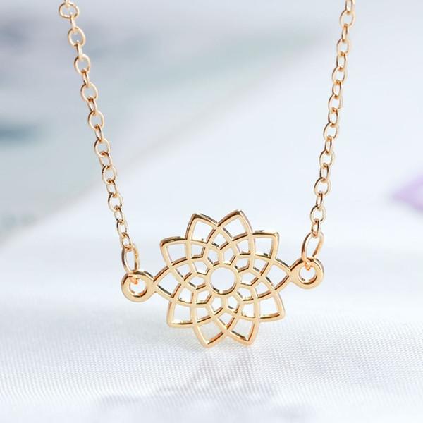 Wonderful 2019 Women Unique Flower Shape Pendant Necklace Great Fashion Necklace Special Design Anniversary