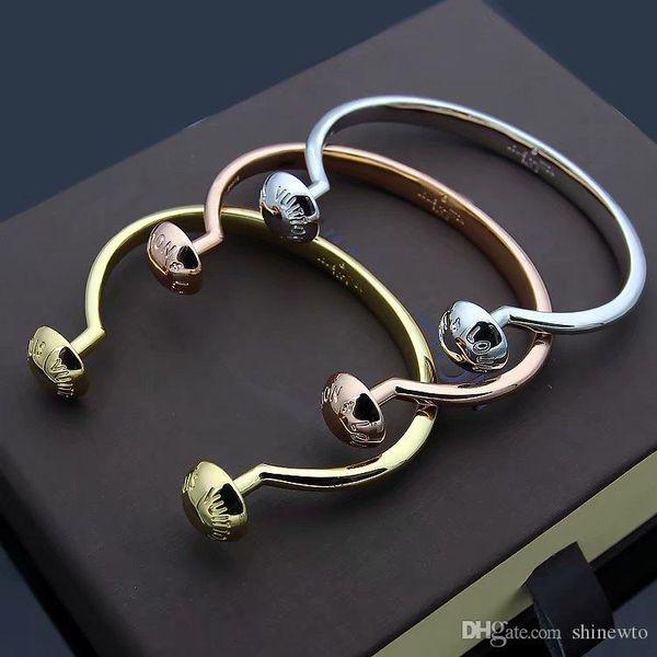 Mode Hot Vente Lady Titane Acier Deux rondes clou V Lettre 18k d'or ouvert Bracelet 3 couleurs