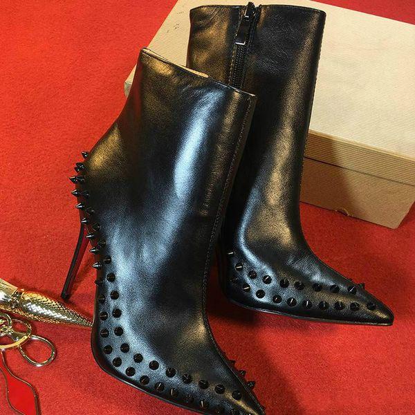 Bota de diseñador para mujer Tacones altos negros Bota de tobillo Botines de punta roja Botas de plataforma Botas de moda 100% cuero Piel de serpiente Zapatos de invierno r8