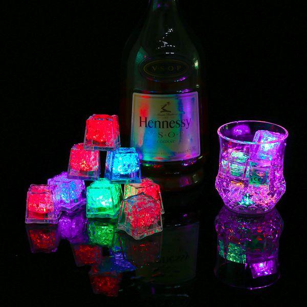Cubos de hielo LED barra rápida evolución lenta Flash automático Cristal Cubo de Agua-Actived Light-up de 7 colores Para romántica fiesta de la boda del regalo de Navidad W95955