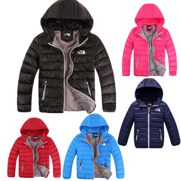 Çocuklar NF Marka Aşağı Ceket Tasarımcısı Genç Kış Ördek Pad Mont Kuzey Erkek Kız Kapşonlu Coat Dış Giyim Yüz Hafif Açık Ceket C8802