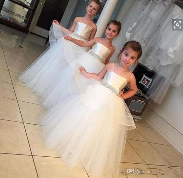 Designer New Lovely White Flower Girls Dresses Tulle Spaghetti Straps Beaded Belt Overlay Skirt Pleat Kids Party Gowns