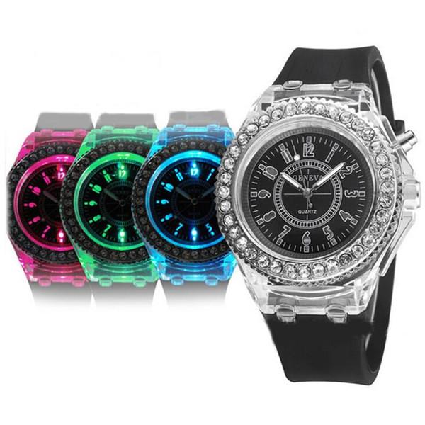 Mens Ginevra cristallo di pietra di diamante 7 colori ha condotto la vigilanza leggera unisex in silicone gelatina caramelle moda flash up retroilluminazione orologi al quarzo