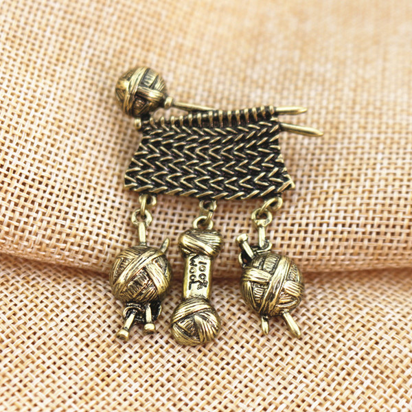 High Quality Antique Style Metal Knit Sweater Wool Yarn Ball Brooch Pin Male Suit Accessory Mothers Day Women Garment Fashion Jewelry