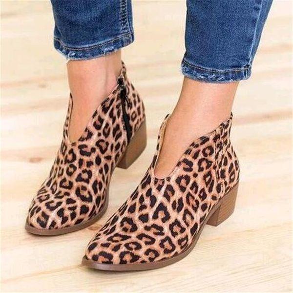 Hot Sale-Mulheres Sapatos 2019 Leopardo Sexy Apontou Toe Ankle Boots Deslizamento em V Profundo Salto Alto Senhora Vestido de Festa sapatos