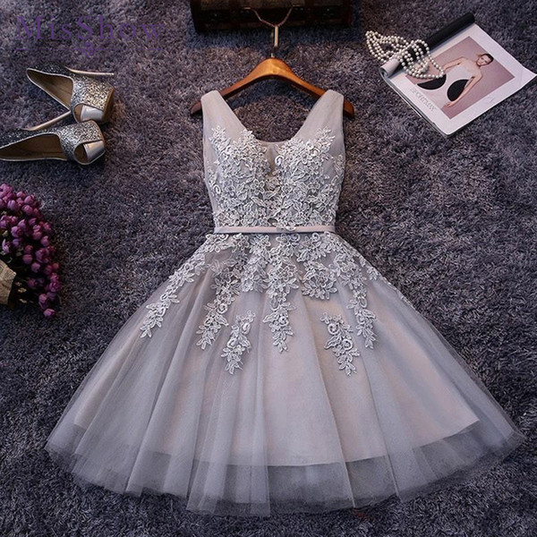 New Evening Dresses 2019 A Line Lace Appliques Lace Up Back V Neck Short Evening Dress Robe De Soiree Prom Gown Formal Dress Y19042701