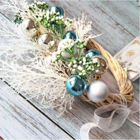 38cm Christmas Wreath Door Decoration Artificial Foam Berry Wreath With Natural Pine Cone Pendant Wall Decor Wreath 5pcs
