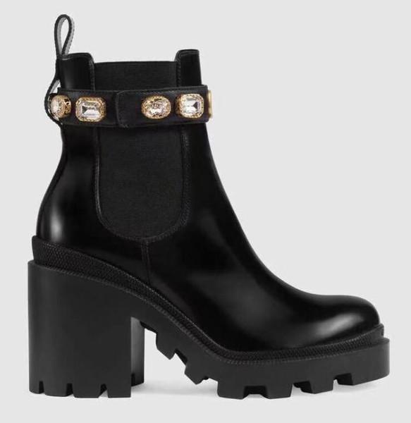 2018 designer femmes chaussures de sport mode britannique bottes bout rond martin bottes boucle sangle talon chunky bout arrondi bottes brodées